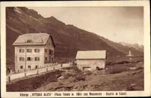 Ak Südtirol, Albergo Vittoria Alata con Monumento, Ossario al Caduti