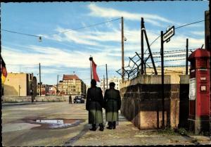 Ak Berlin, Checkpoint Charlie, Passierstelle Friedrichstraße, Sektorengrenze
