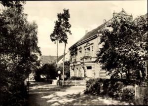 Ak Osterburg in der Altmark Sachsen Anhalt, Poliklinik an der Promenade