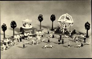 Ak Seiffener Spielzeug, Volksfest, Holzfiguren, Riesenrad, Pavillon, Buden