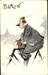 Künstler Ak Rossett, Berlin, Dicker Mann mit Zigarre fährt Fahrrad