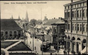 Ak Liepaja Libau Lettland, Ecke Rosenplatz, Kornstraße, Kaufstraße, Straßenbahn
