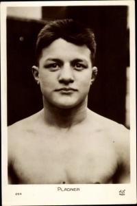 Ak Boxer Pladner, Portrait