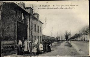 Ak Le Bourget Seine Saint Denis, Le Ferme ayant subi le premier choc de l'Armee Allemande