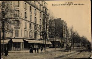 Ak Clichy Hauts de Seine, Le Boulevard Victor Hugo et Rue d'Alsace