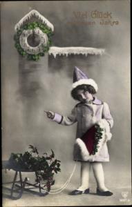 Ak Glückwunsch Neujahr, Uhr, Kleeblätter, Schlitten, Stechpalmenzweige, Mädchen, HB 6667 3