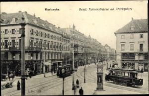 Ak Karlsruhe in Baden Württemberg, Östliche Kaiserstraße ab Marktplatz, Straßenbahnen, Geschäfte