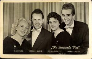 Ak Sänger Ilse Hass, Herbert Klein, Sonja Siewert, Werner Hass, Die Singende Vier Band