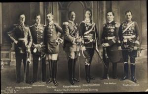 Ak Kaiser Wilhelm II. von Preußen, Söhne, Eitel Friedrich, Adalbert, Oskar, Joachim, Wilhelm