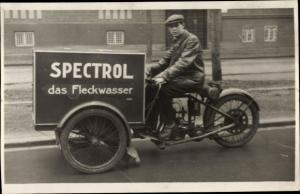 Foto Ak Mann auf Motorrad, Reklame Spectrol das Fleckwasser, Liefermotorrad