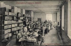 Ak Chocolaterie Confiserie Antoine. Magasin et emballage