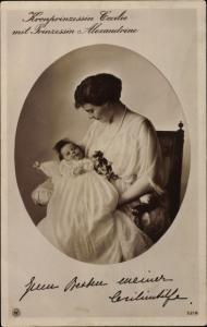 Passepartout Ak Kronprinzessin Cecilie von Preußen mit Prinzessin Alexandrine, NPG 5218