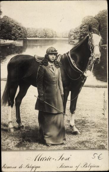 Ak Prinzessin Marie José von Belgien in Reitkleidung, Pferd 0