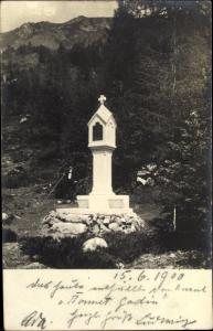 Foto Ak Tirol in Österreich, Wegkreuz, Landschaftspanorama, Gebirge