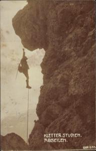 Ak Bergsteiger, Kletterstudien, Abseilen