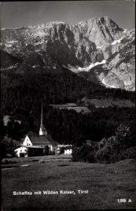 Ak Scheffau in Tirol, Kirche mit Wilden Kaiser