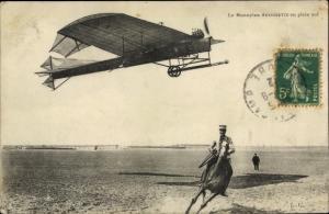 Ak Monoplan Antoinette en plein vol, Flugzeug, Reiter