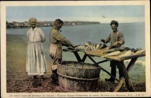 Ak Rivière au Renard Québec, vieux type de pêcheur au travail