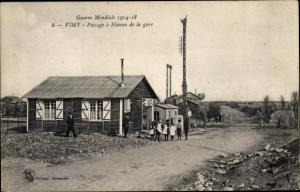 Ak Vimy Pas de Calais, Passage a Niveau de la gare