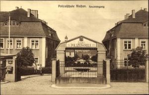 Ak Meißen in Sachsen, Blick auf den Haupteingang der Polizeischule