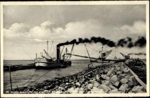 Ak Wieringen Hollands Kroon Nordholland Niederlande, Hafenpartie, Dampfer wird beladen, Kräne
