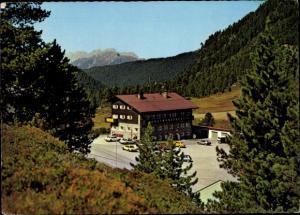 Ak Kühtai Tirol, Dortmunder Hütte, Außenansicht, Parkplatz, Autos, Wald