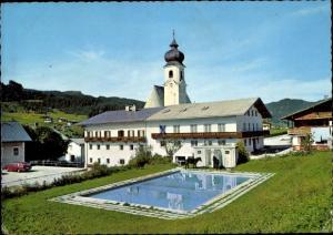 Ak Scholastika Achenkirch in Tirol, Gasthof Post, Außenansicht, Pool, Pferde