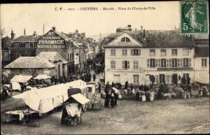 Ak Louviers Eure, Marché, Place du Champ de Ville, 97 Rue du Neubourg, Pharmacie