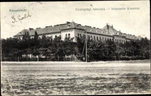 Ak Kecskemét Ketschkemet Ungarn, Gyalogsagi laktanya, Infanterie Kaserne