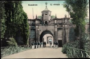 Ak Komárom Komorn Ungarn, Uj varkapu, Festungsportal