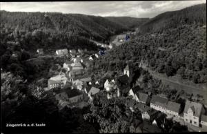 Ak Ziegenrück an der Saale Thüringen, Fliegeraufnahme vom Ort