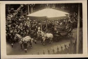 Foto Ak Adel Großbritannien, Royal Visit, Kutsche