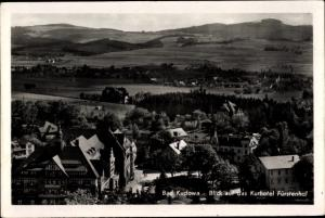 Ak Kudowa Zdrój Bad Kudowa Schlesien, Vogelschau vom Ort, Kurhotel Fürstenthal