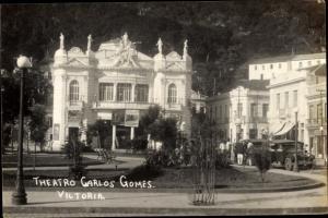 Foto Ak Vitória Brasilien, Theatro Carlos Gomes, Theater, Parkanlagen, Automobil