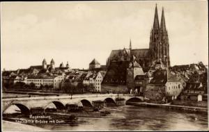 Ak Regensburg an der Donau Oberpfalz, Steinerne Brücke, Dom, Flusspartie
