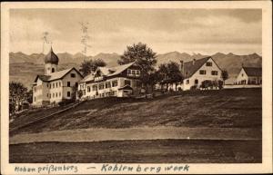 Ak Peißenberg in Oberbayern, Panoramaansicht von Ortschaft, Kirche