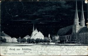Mondschein Ak Altötting in Oberbayern, Stadtpanorama, Kirche, Brunnen, Häuserfassaden