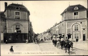 Ak Commercy Lothringen Meuse, La Rue Carnot et la Place du Fer a Cheval, Pferd