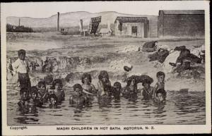 Ak Rotorua Neuseeland, Maori Children in hot Bath