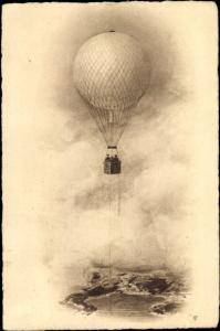 Künstler Ak Fesselballon beim Flug über einem See