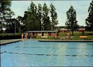 Ak Wietzen Landkreis Nienburg Niedersachsen, Partie im Freibad, Schwimmbecken