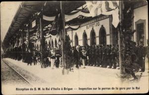 Ak Brigue Brig Kanton Wallis, Reception de SM le Roi d'Italie, Inspection sur le perron de la gare