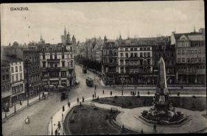 Ak Gdańsk Danzig, Platz, Denkmal, Geschäftshäuser