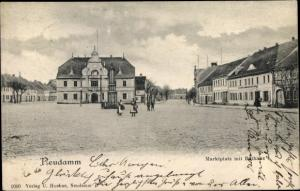 Ak Dębno Neudamm Neumark Ostbrandenburg, Marktplatz, Rathaus