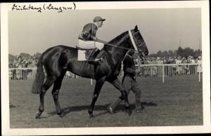 Ak Rennpferd Fuchstanz, Jockey Langner