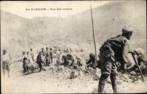 Ak Albanien, Sur les routes, Arbeiter beim Straßenbau