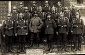 Foto Ak Deutsche Soldaten im Kaiserreich, Berliner Landsturm, Gruppenbild