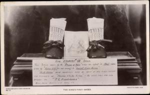 Ak King Edward VII.'s first shoes