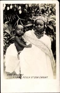Ak Elfenbeinküste, Femme Peulh et son enfant