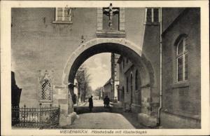 Ak Rheda Wiedenbrück in Westfalen, Mönchstraße, Klosterbogen